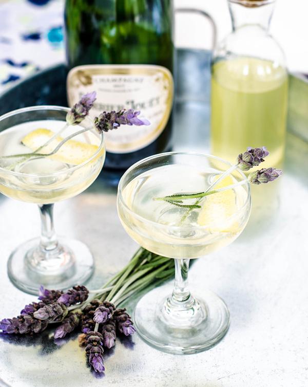 Lavender & Lemon Sparkler   photo: Rose&Ivy