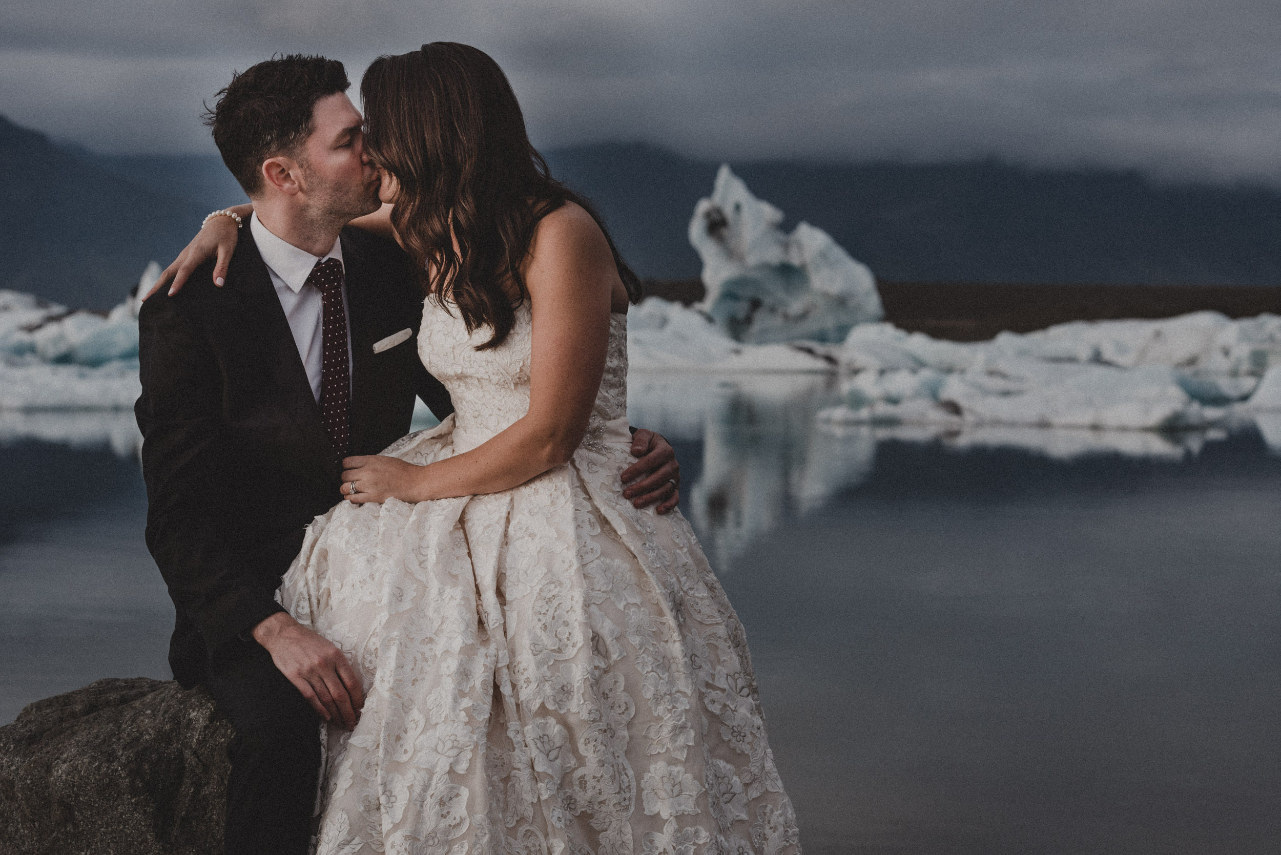 Iceland elopement photographer-63.jpg