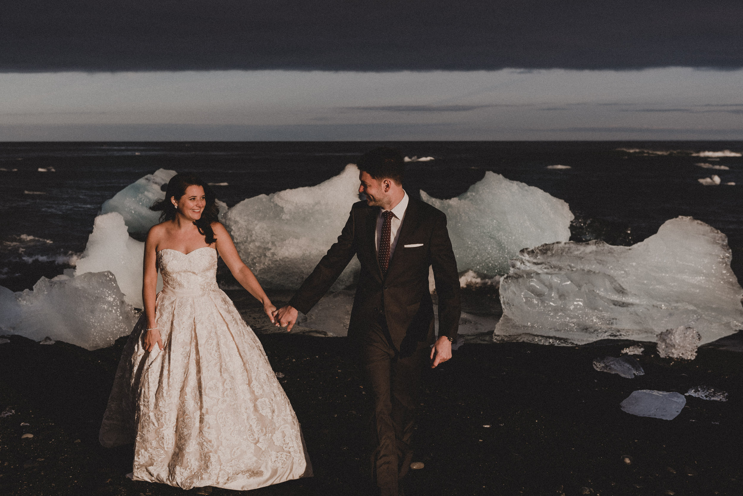 Iceland elopement photographer-69.jpg