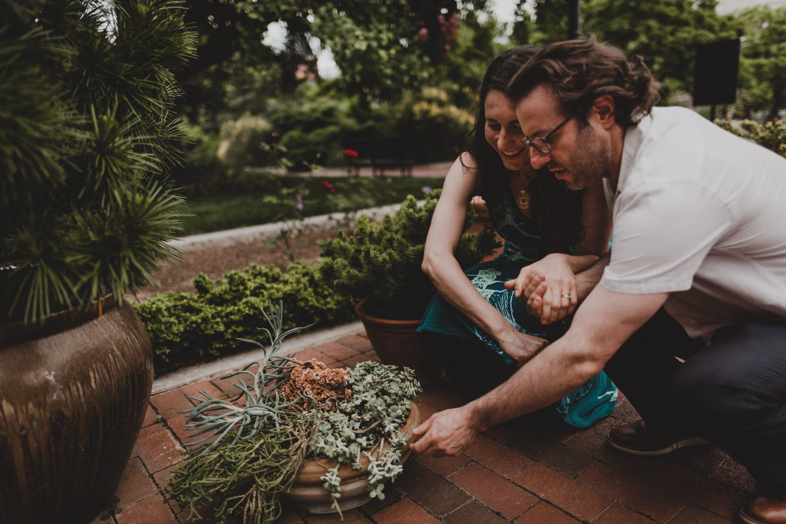 Moongate_Garden_Engagement-20.jpg