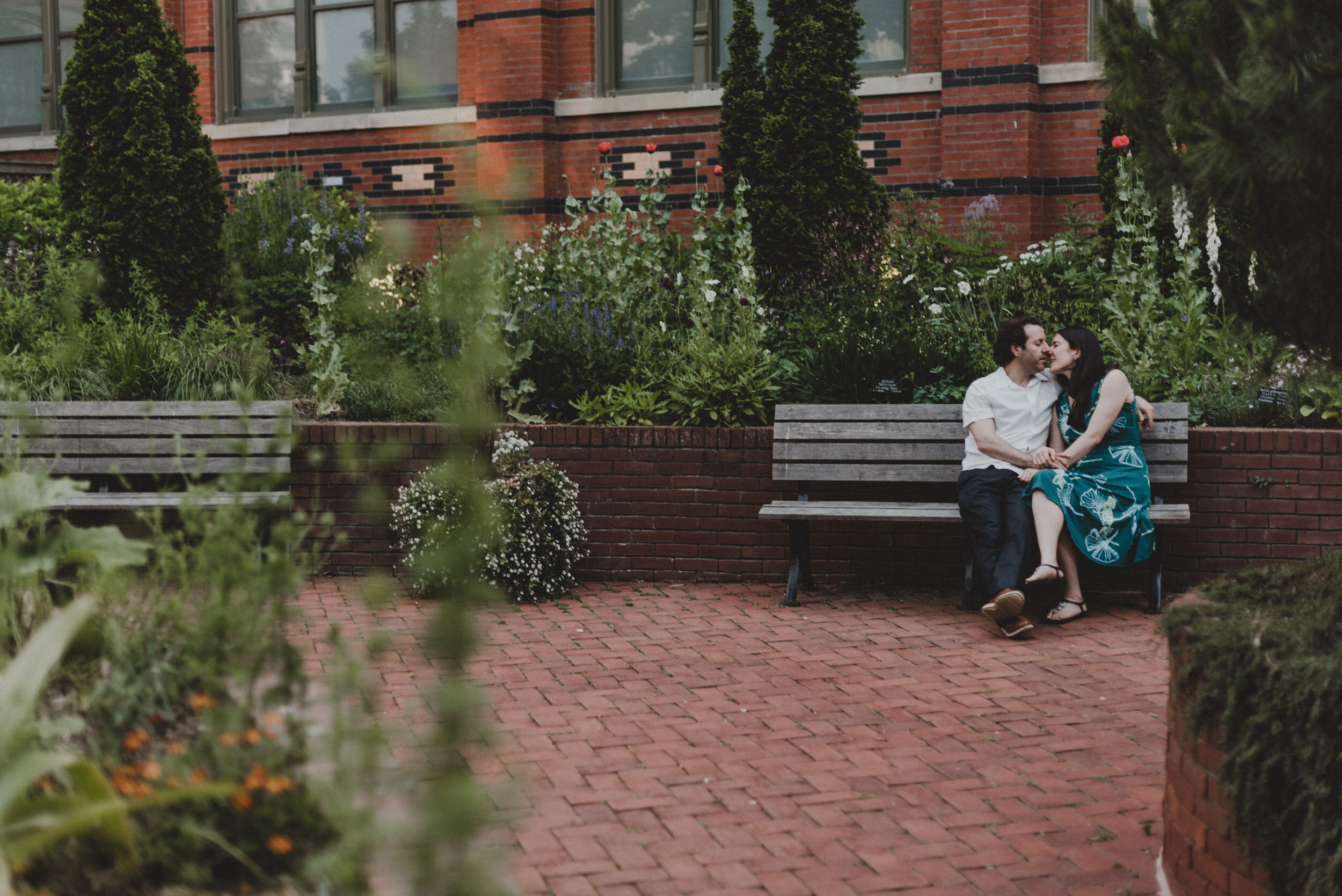 Moongate_Garden_Engagement-55.jpg