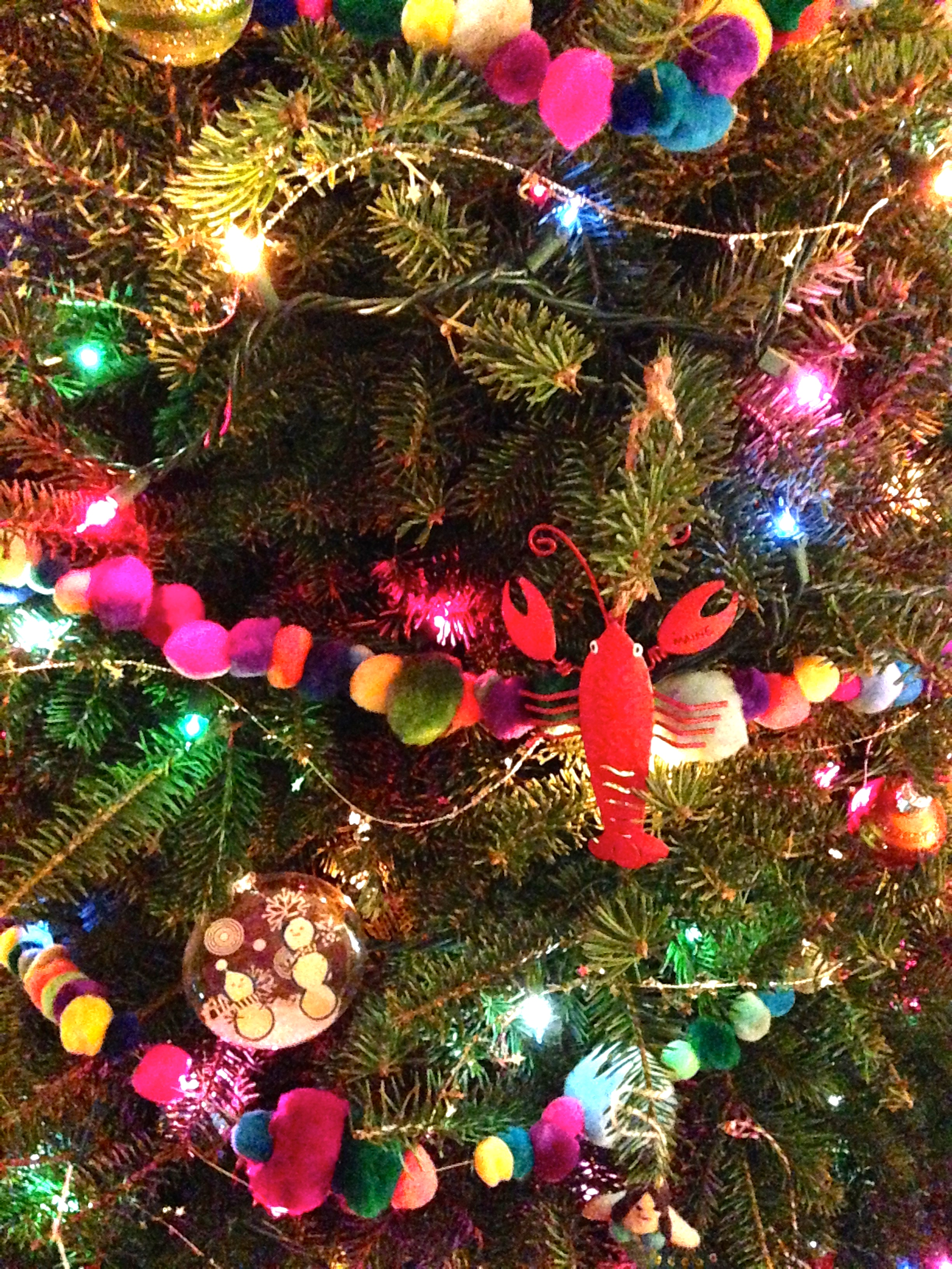 Even my Maine lobster is enjoying the new garland on the tree!