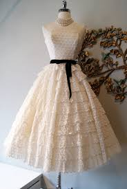 vintage wedding dress3.jpeg