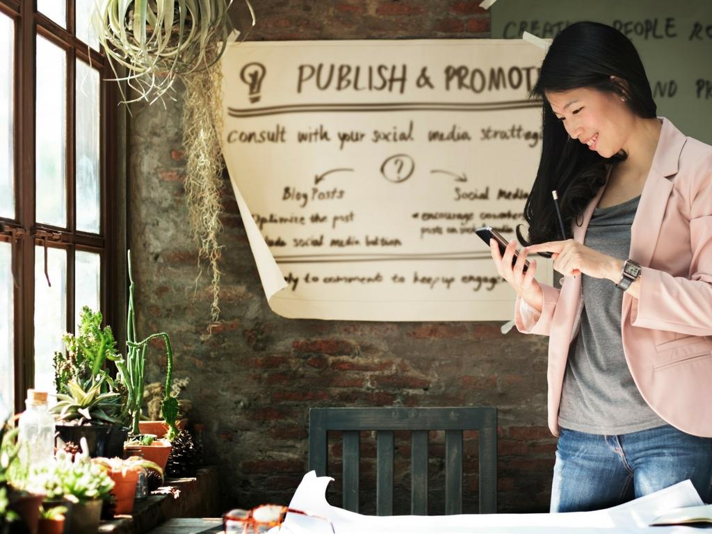 blogging_social_art_buy.jpg