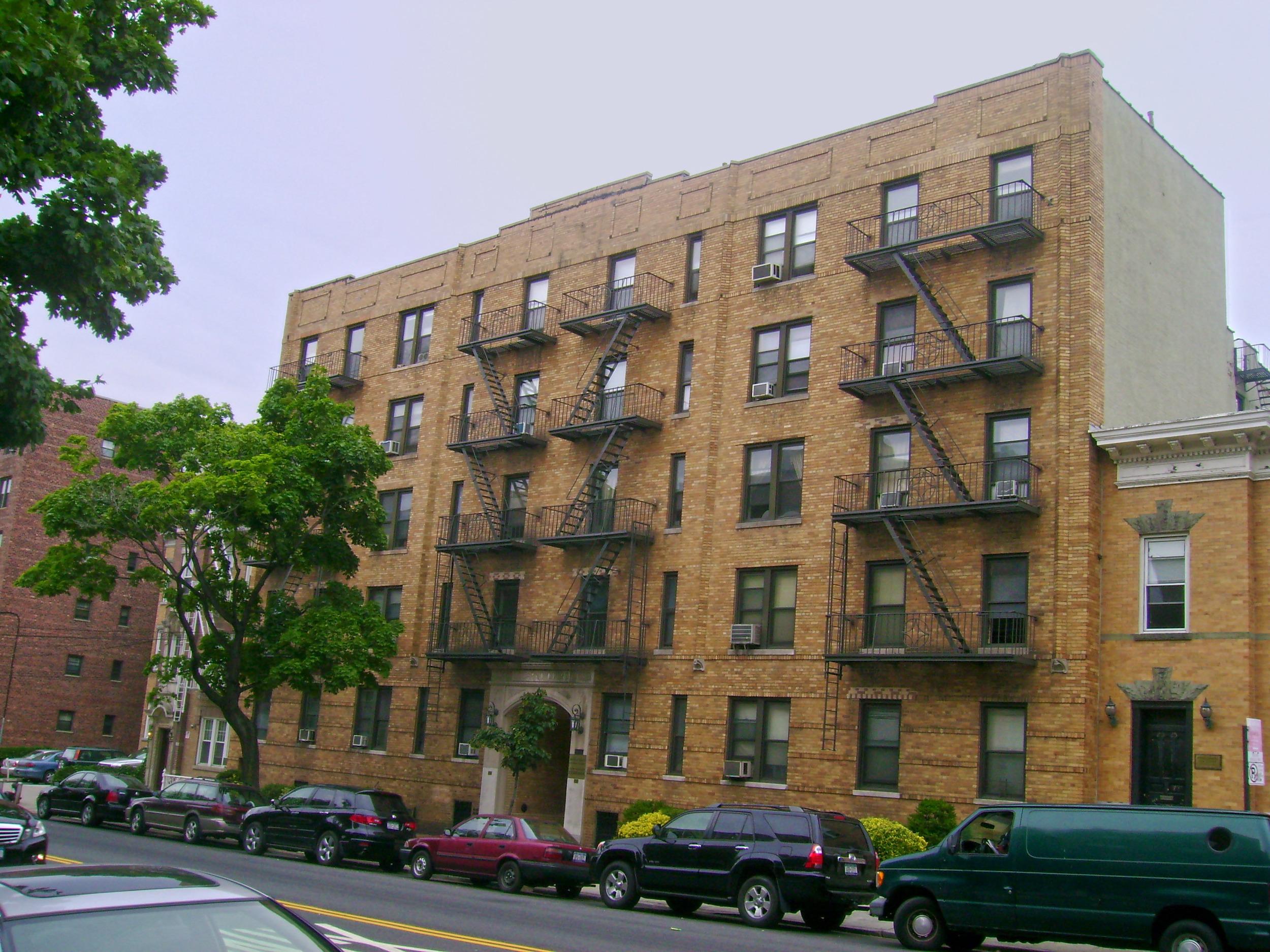 25-21 31st Avenue, Astoria, NY 11106