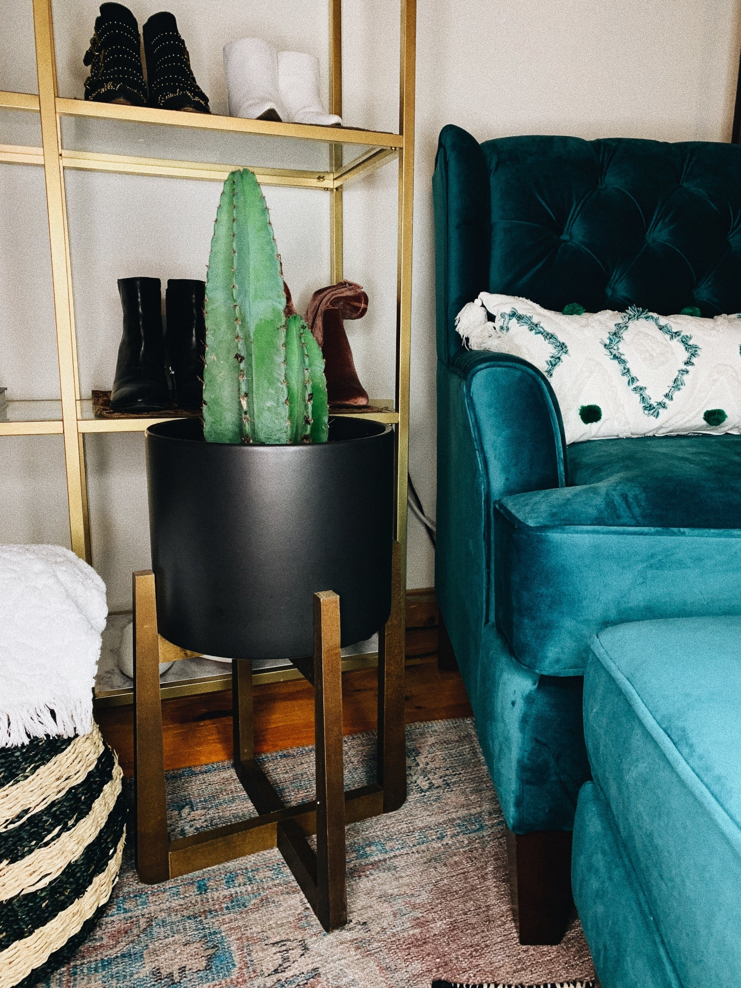 Style-Deals-A-Mid-Century-Modern-Plant_Stand.JPG