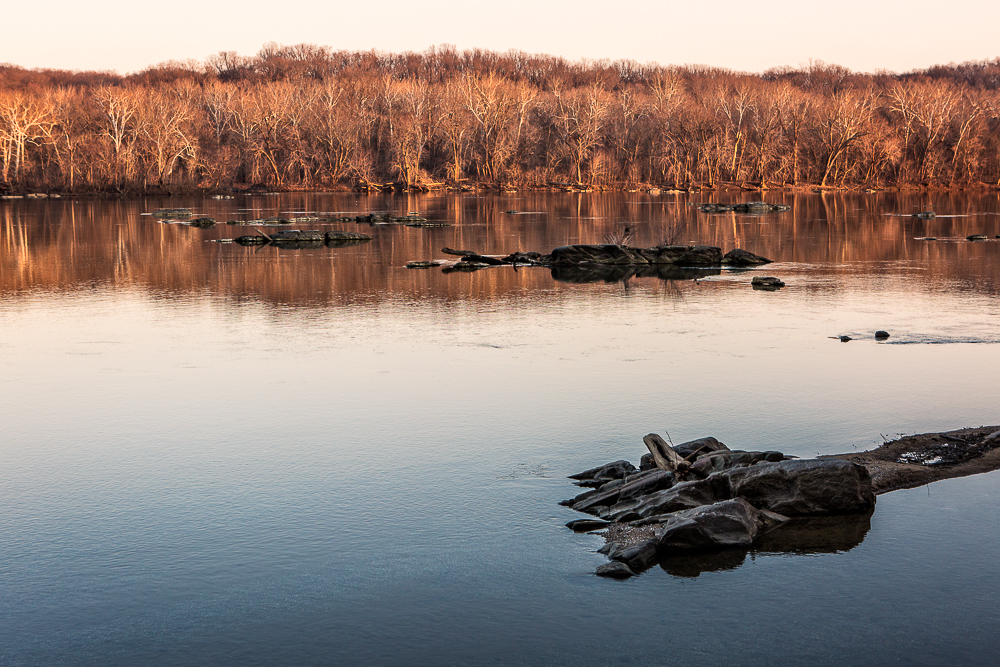 Winter sunset on the Potomac River