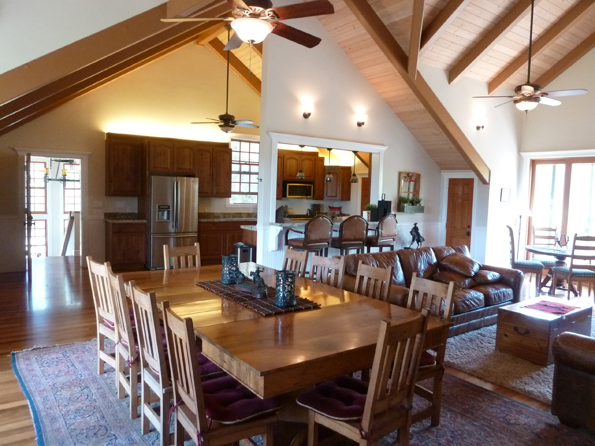 P1060548 house dining and kitchen.jpg