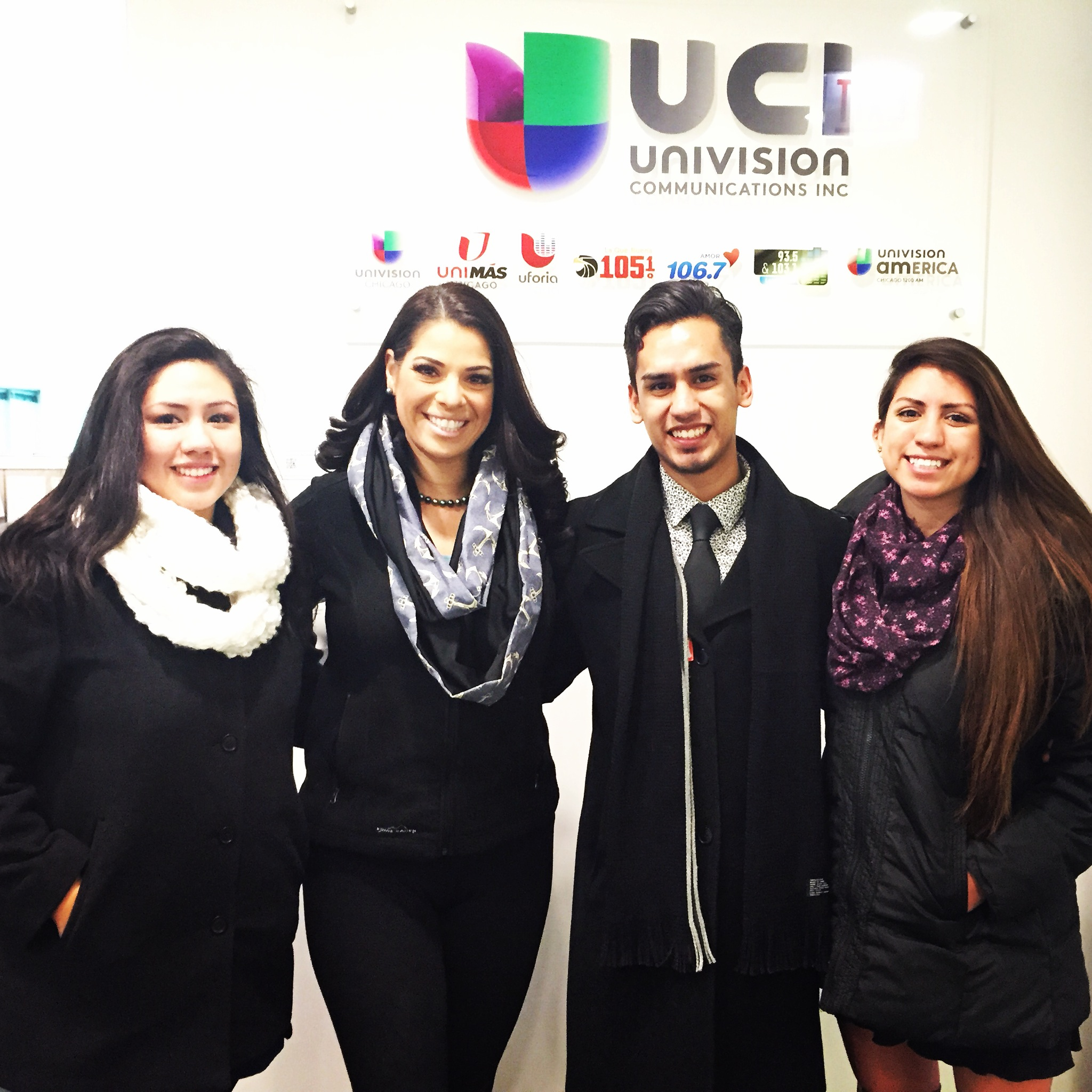With the host of the 5pm and 10pm news of Univision Chicago also a five time Emmy award winner, Erika Maldonado. (From left to right. Grecia Terrazas, Erika Maldonado, Jenaro Yasit, Saharay Terrazas)
