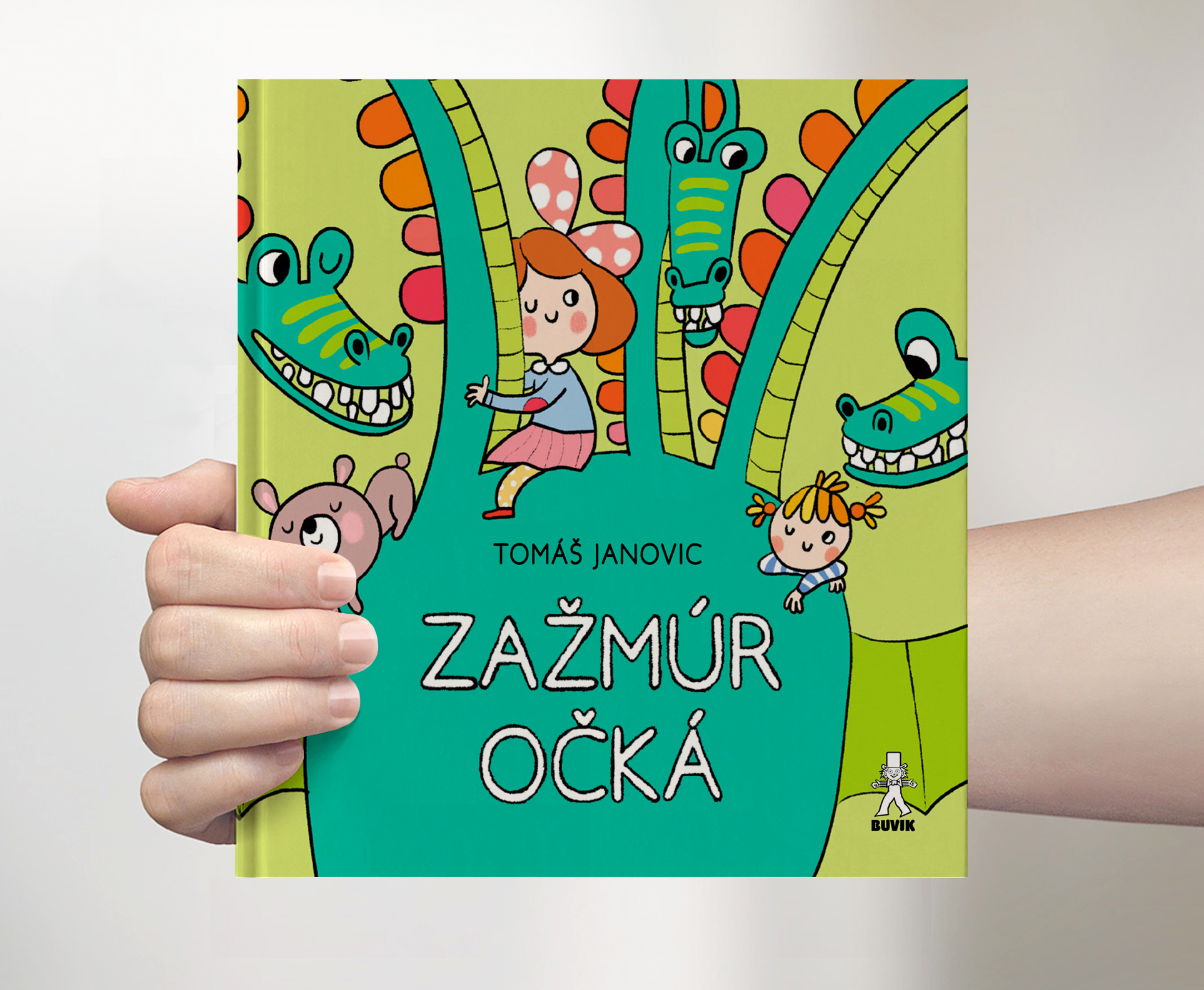 Hello everybody! I will be celebrating the fact that I don't have to go to school anymore tomorrow when a new book with my illustrations comes out here in Slovakia. This one is full of beautiful poems by Tomas Janovic and I don't think I have had such a wonderful piece of literature on my desk in a while. Keep your eyes open when entering bookstores or pre-order via the publisher's online store  https://www.buvik.sk/zazmur-ocka