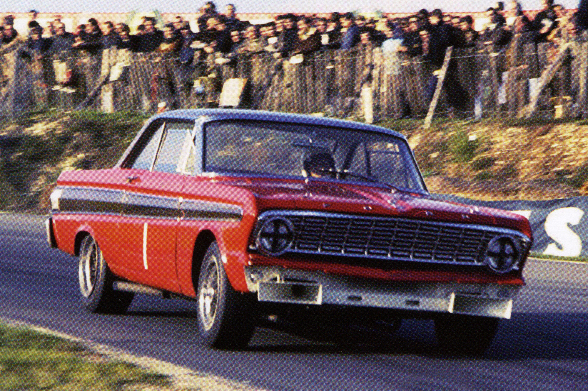 Frank Gardner drove a Group 5 Ford Falcon to victory in the British Saloon Car Championship.