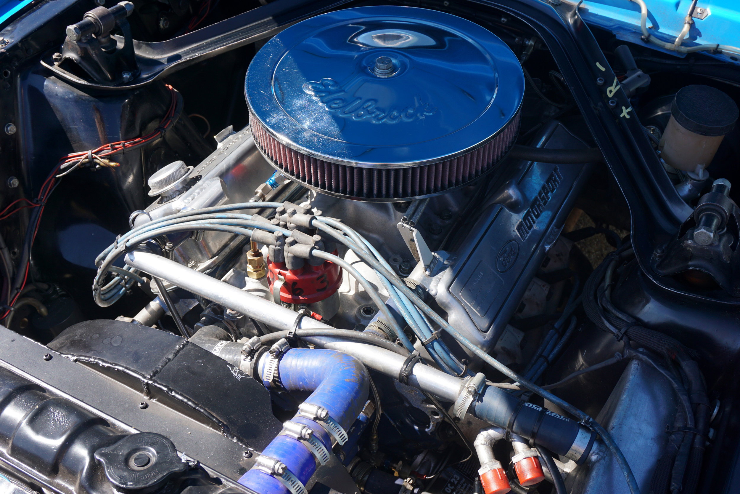 Blue-Mustang-03A.jpg