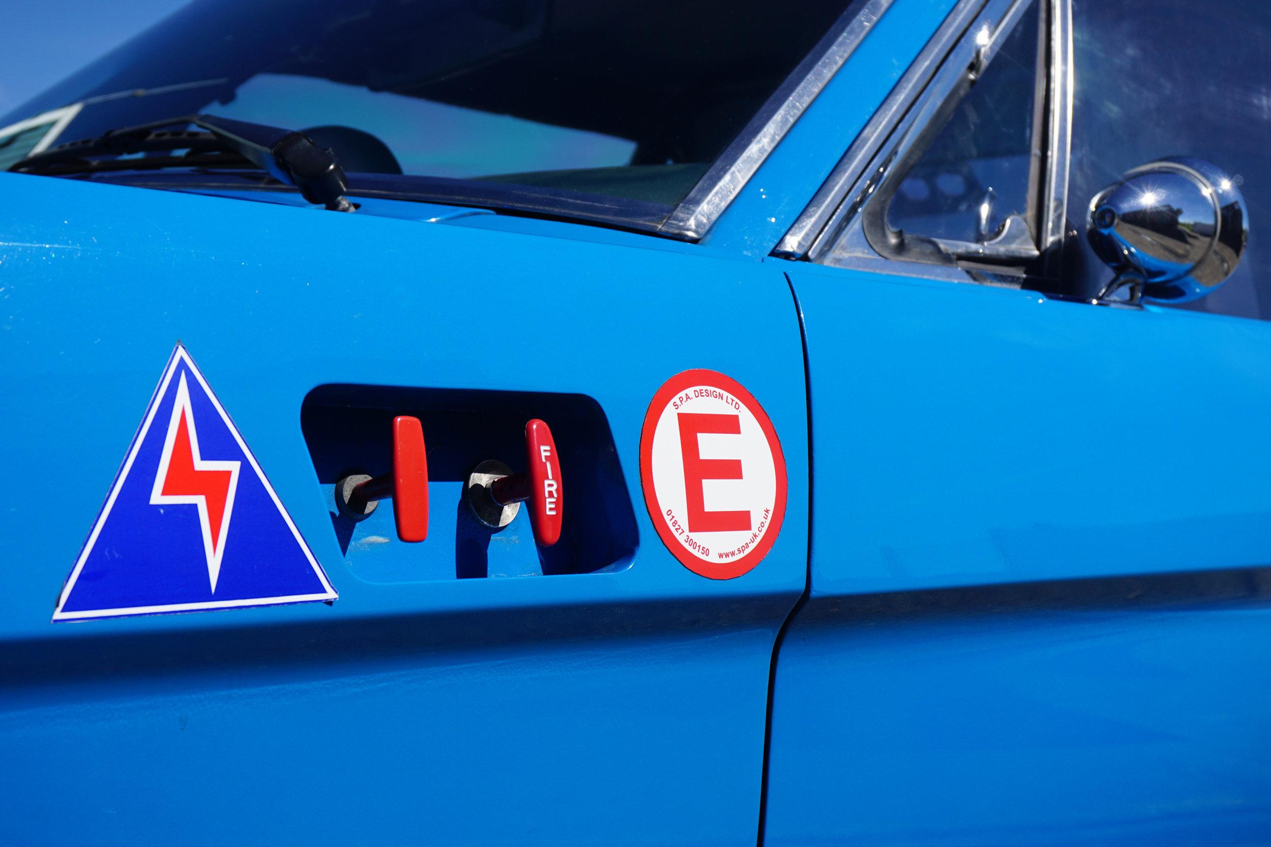 Blue-Mustang-04.jpg