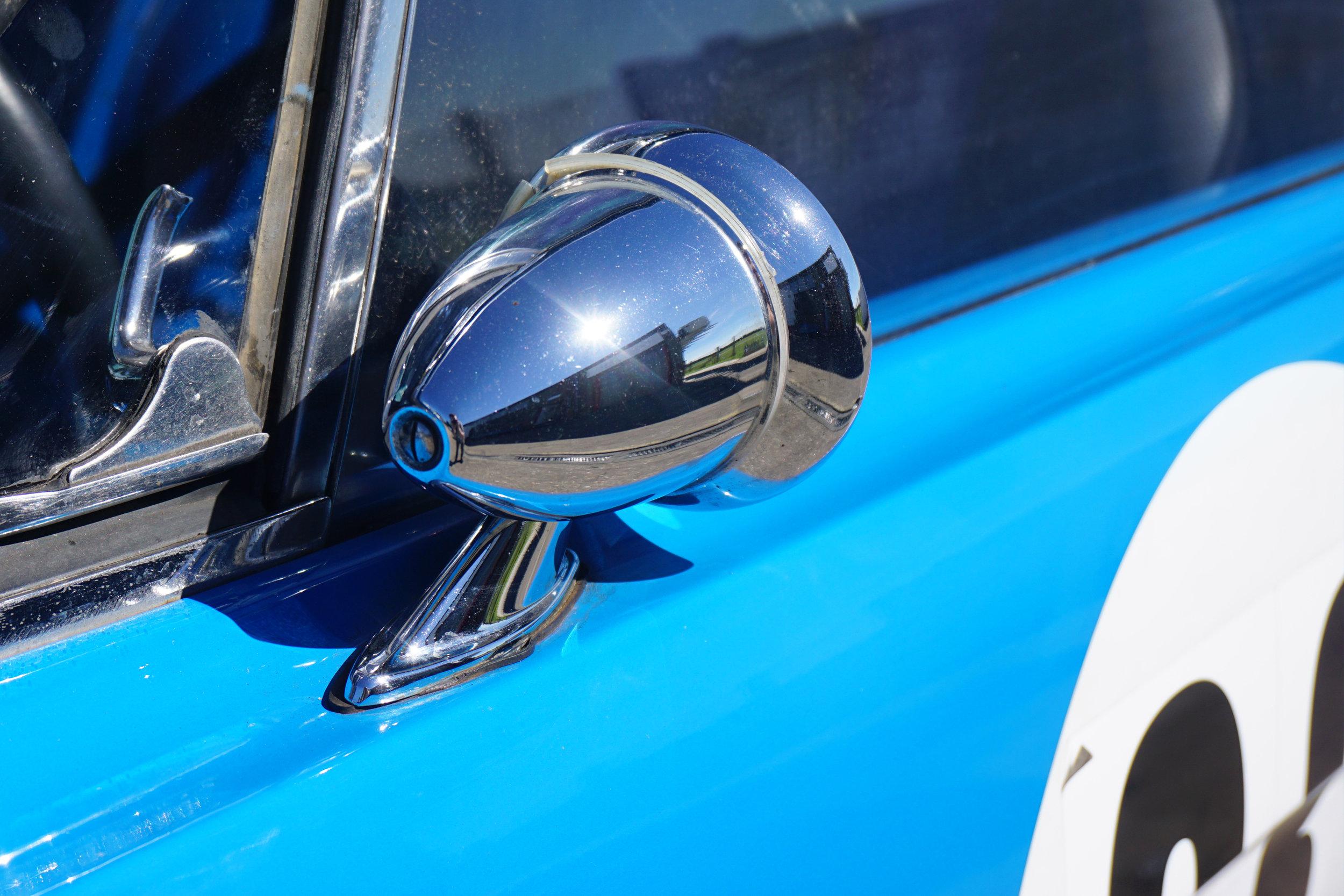 Blue-Mustang-05.jpg