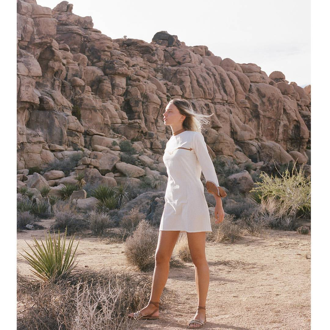 "@louisenouvellon in our ""Canyon River"" dress 📸@shevakafai    #desertsunbrand (at Joshua Tree, California)    www.desertsunbrand.com"