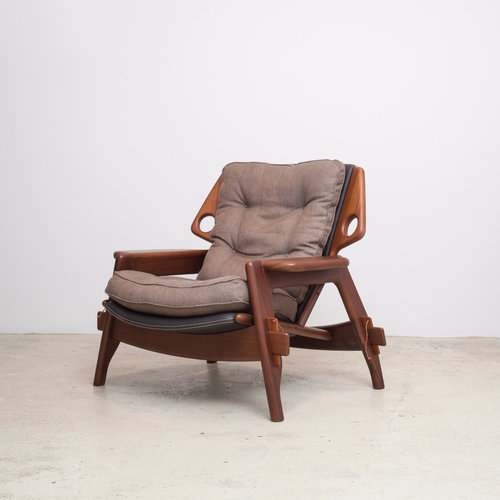 Benjamin lounge armchair in freijó wood, 2013  (   source   )