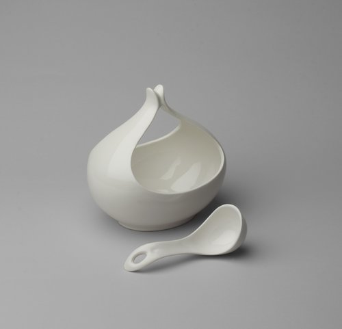 Hallcraft/Tomorrow's Classic Sauce Boat with Ladle, MoMA, 1949-50 ( source )