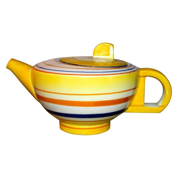 Eva Zeisel Schramberg Tea Pot, German Modernist, 1929 ( source )
