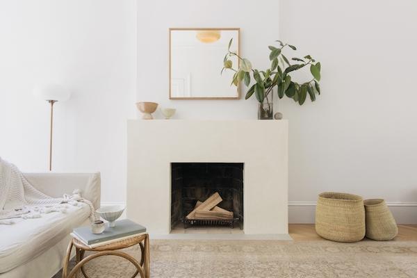 Tadelakt fireplace surround from Elizabeth Roberts Architecture (  image source  )
