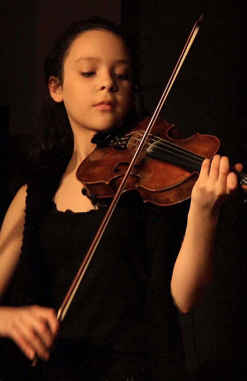 Violinist2-Wiki.jpg
