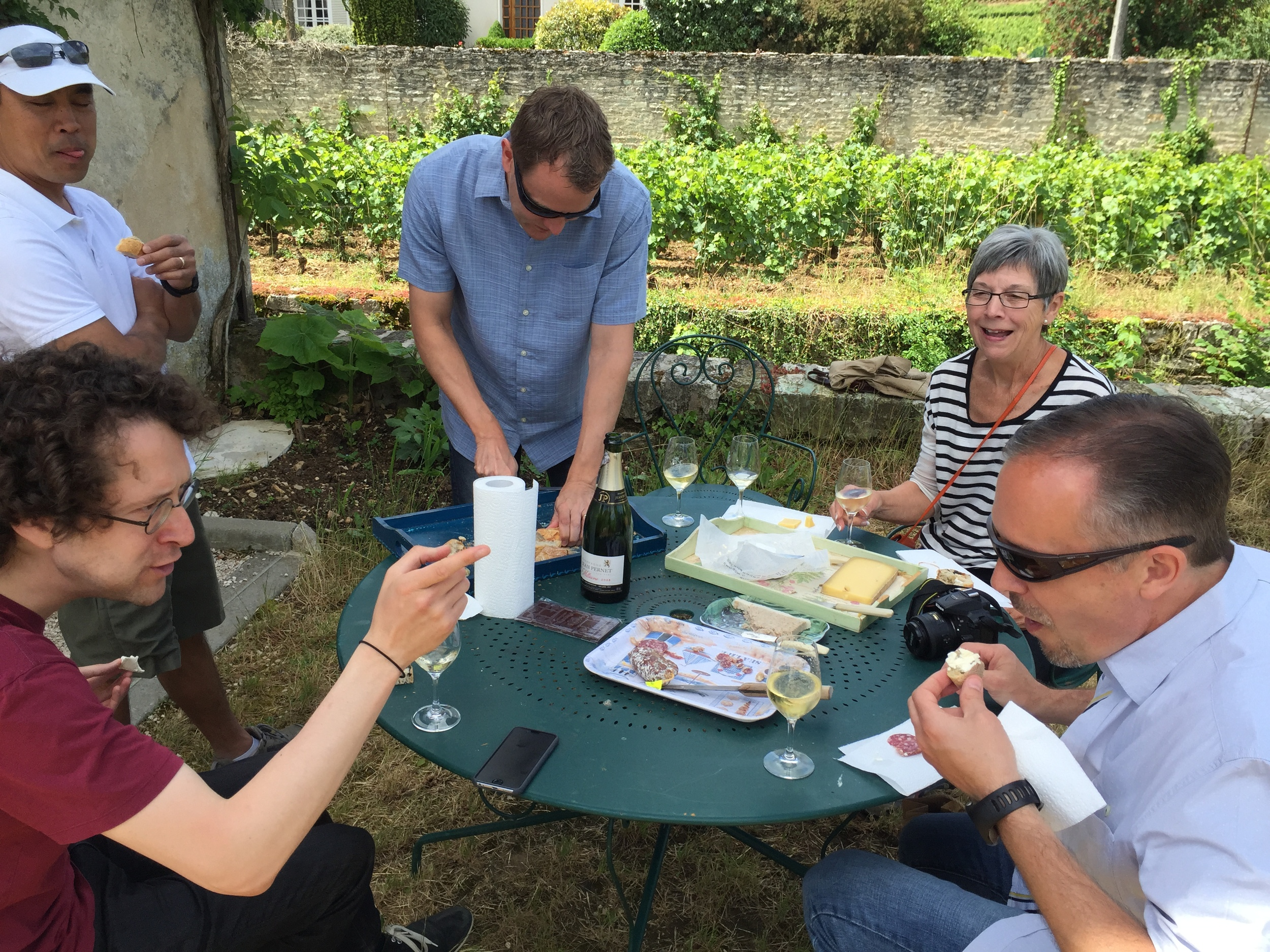 Our farewell casse-croute in the Clos du Colombier