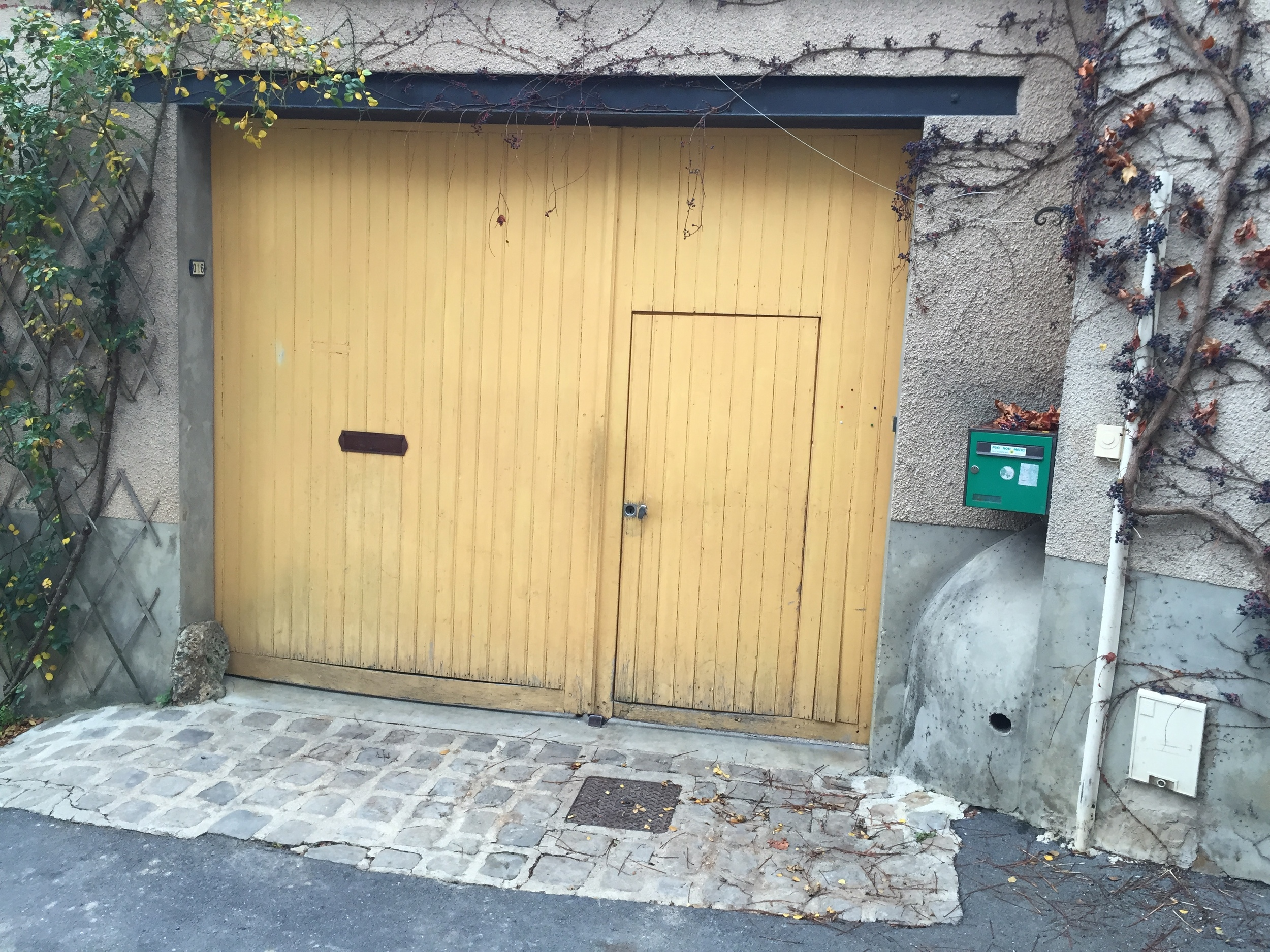 The gates to heaven - the unmarked entrance to Champagne Georges Laval