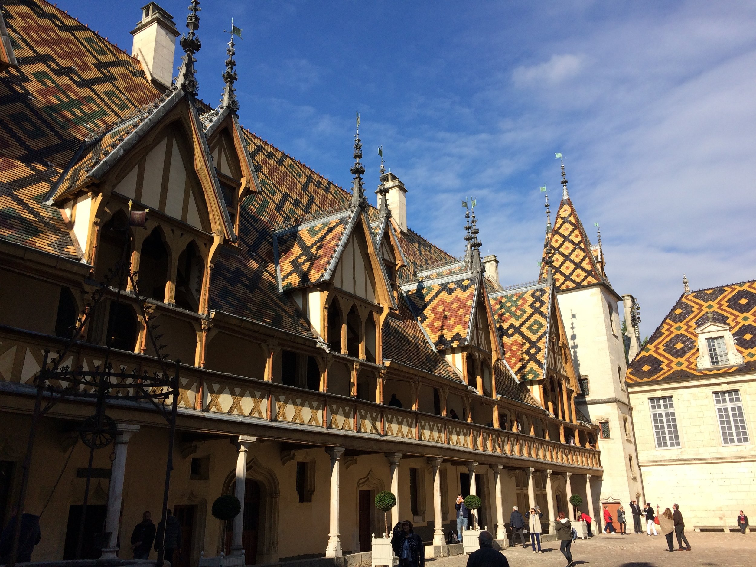 The stunning Hôtel Dieu in Beaune, built in 1443