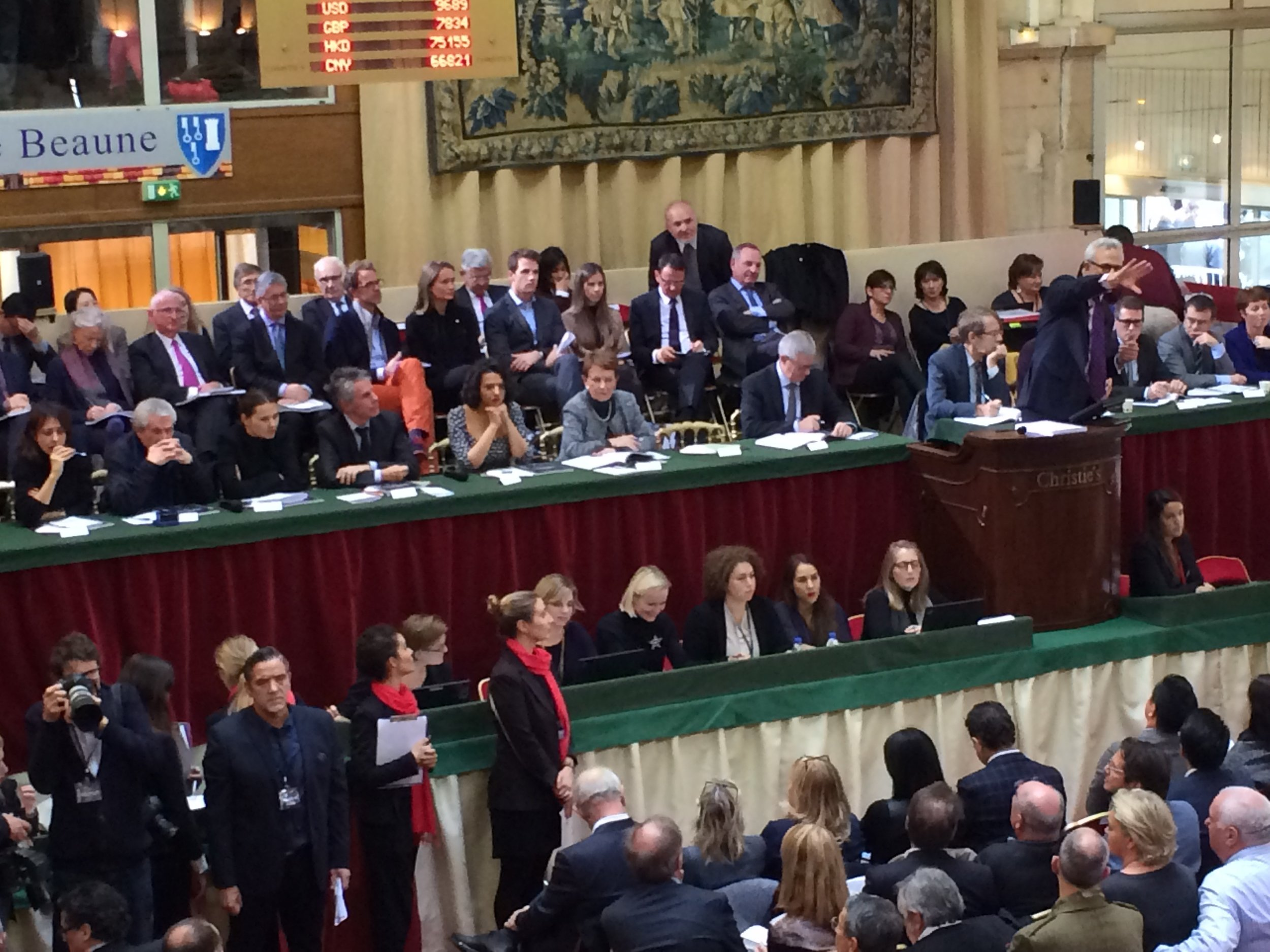 Auction action underway for the Hospices de Beaune