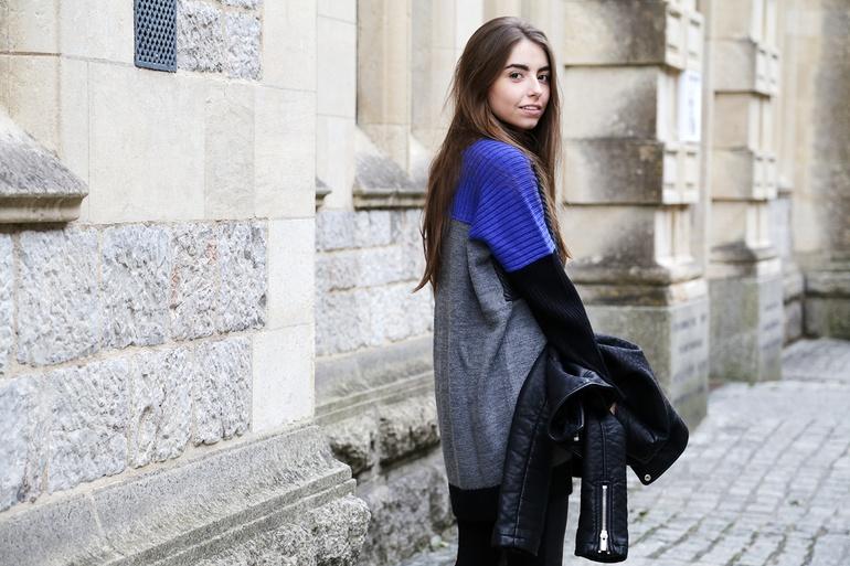 City Hotspots with Bank Fashion