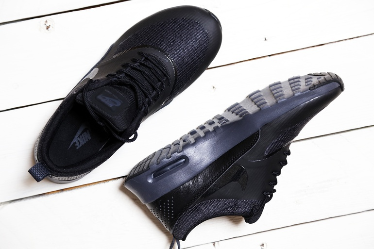 Nike Max Thea