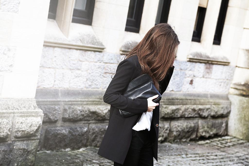How+To+Dress+Like+A+Parisian