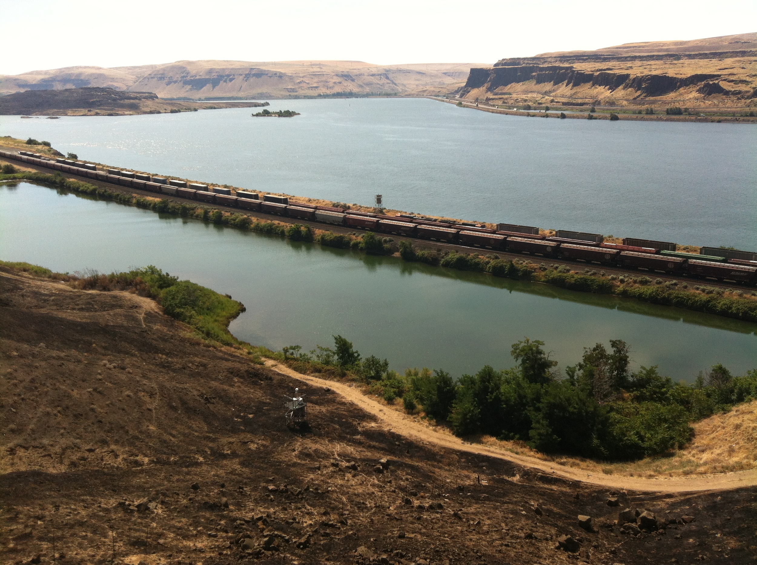 View eastward of the Columbia River from the railroad town of Wishram, Washington.