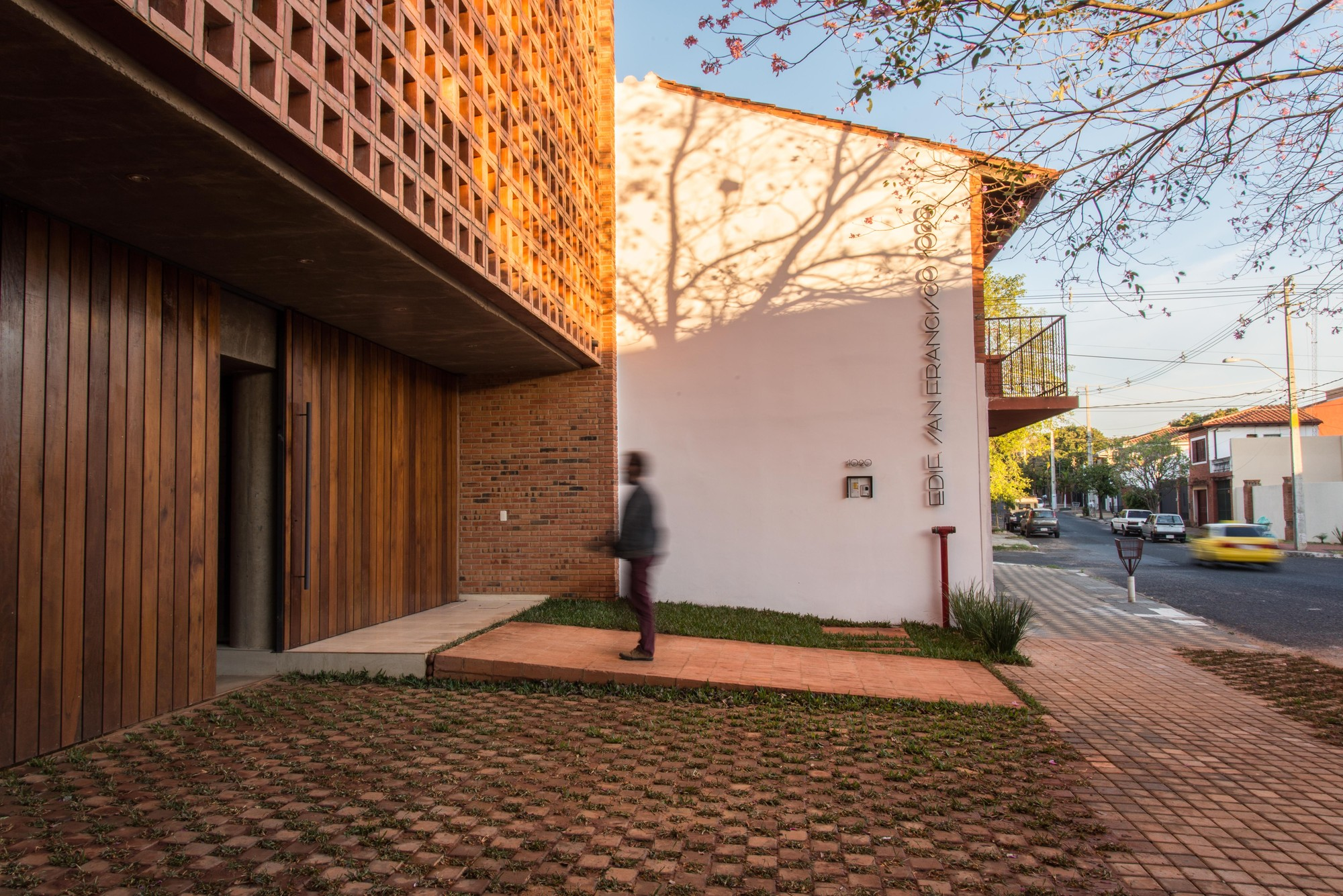 Edificio San Francisco, Arq. José Cubilla (foto: Lauro Rocha)
