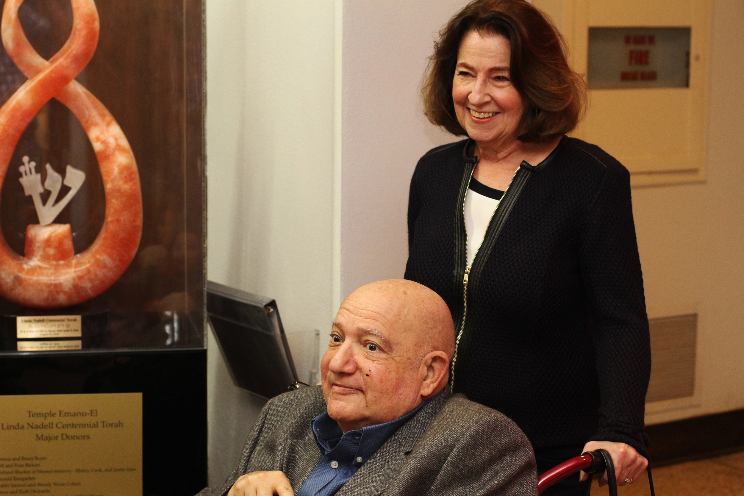 Olga and Bob Strauss are honored at a Temple-Emanu-El ceremony