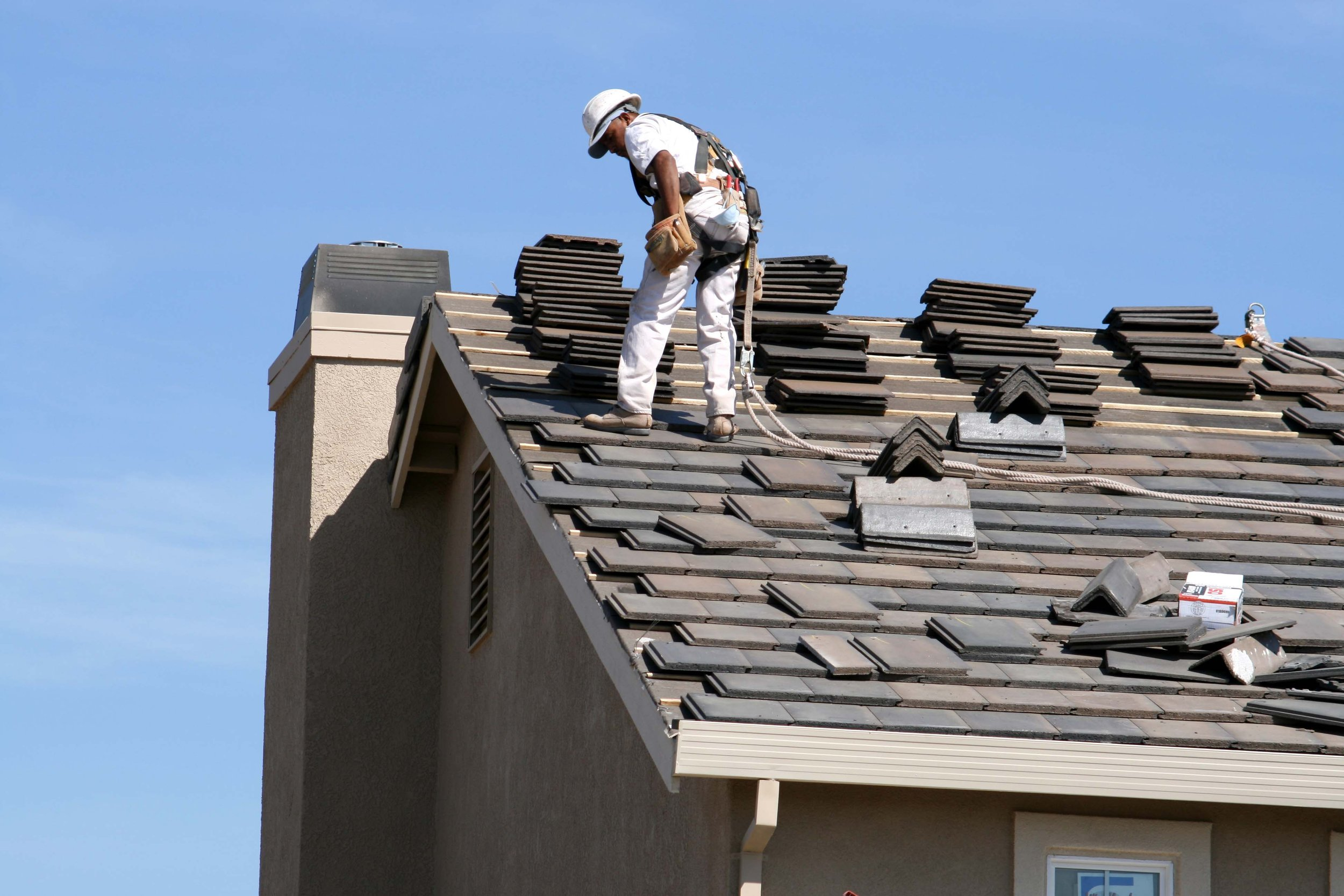 hallryancontstructionservices_roofing.jpeg
