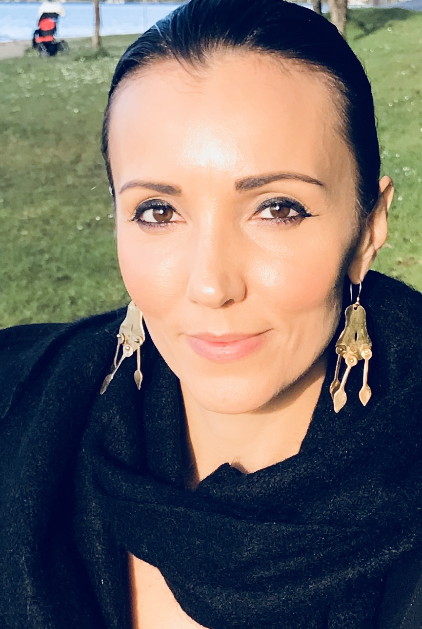 I am Zia Sunseri, MA, LMFTA, ATP, ASAT. I offer couples effective methods and therapeutic experiences via Internet or In-Person counseling & coaching. - CALL (206) 701-0236 FOR YOUR FREE 20 Minute Phone Consultation.