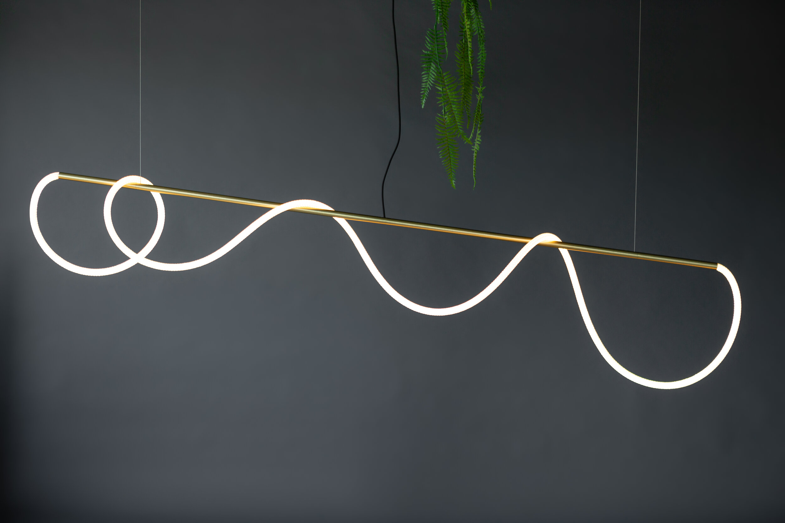As pictured: 8' Tracer Bar I - Standard Rope in Satin Brass