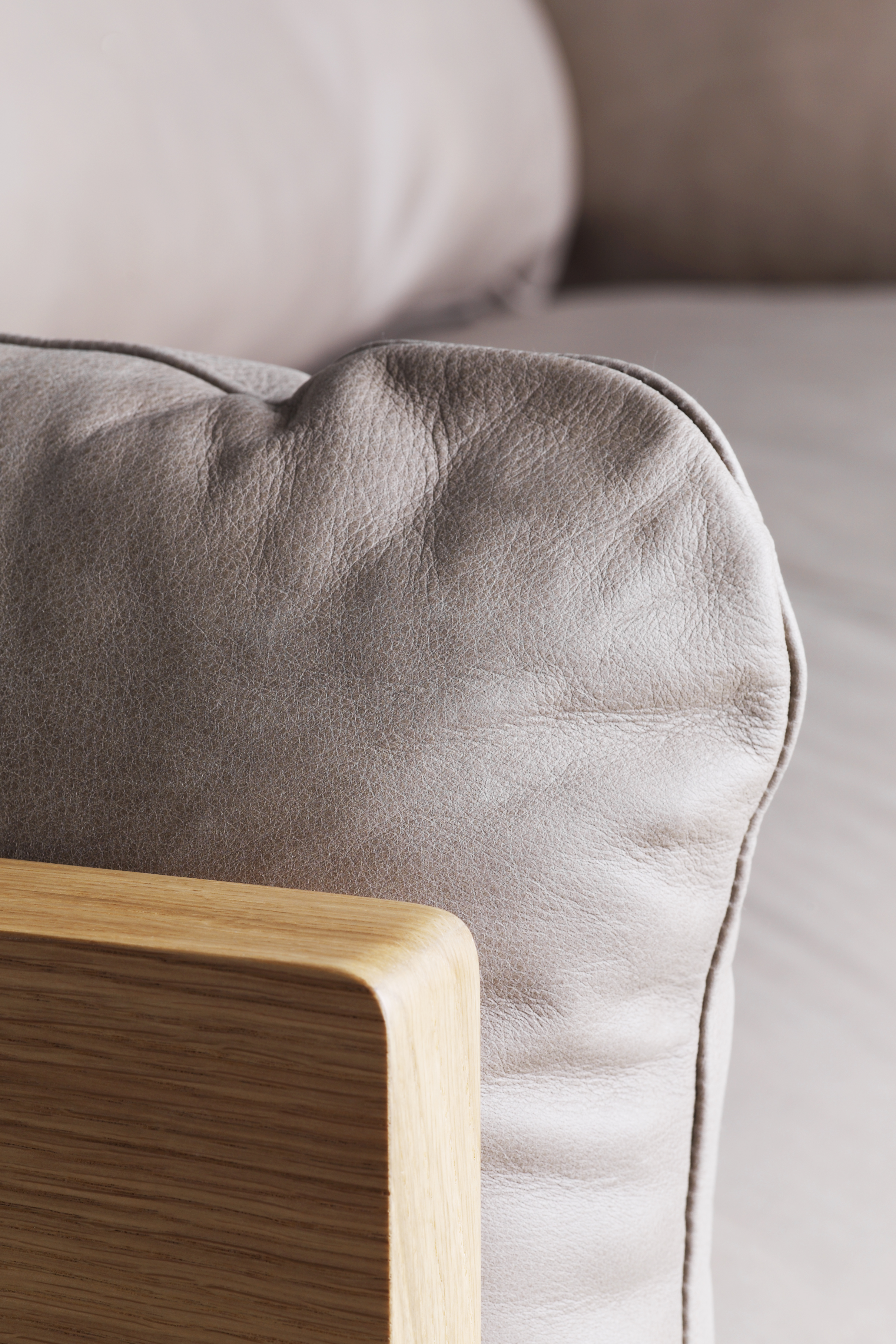 Another-Brand_Legna_Sofa_003
