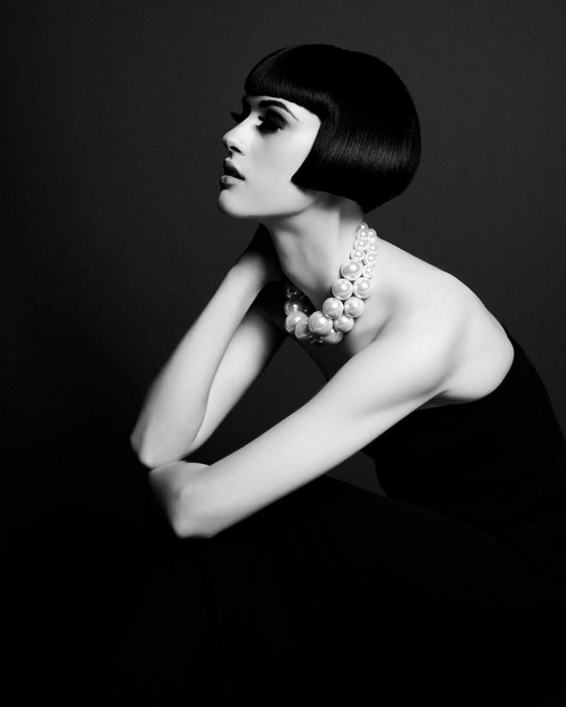 'Florence' © Keith Davies > http://keith-davies.co.uk > @keith_davies  #studio #model #fashion #mono #digital #wales