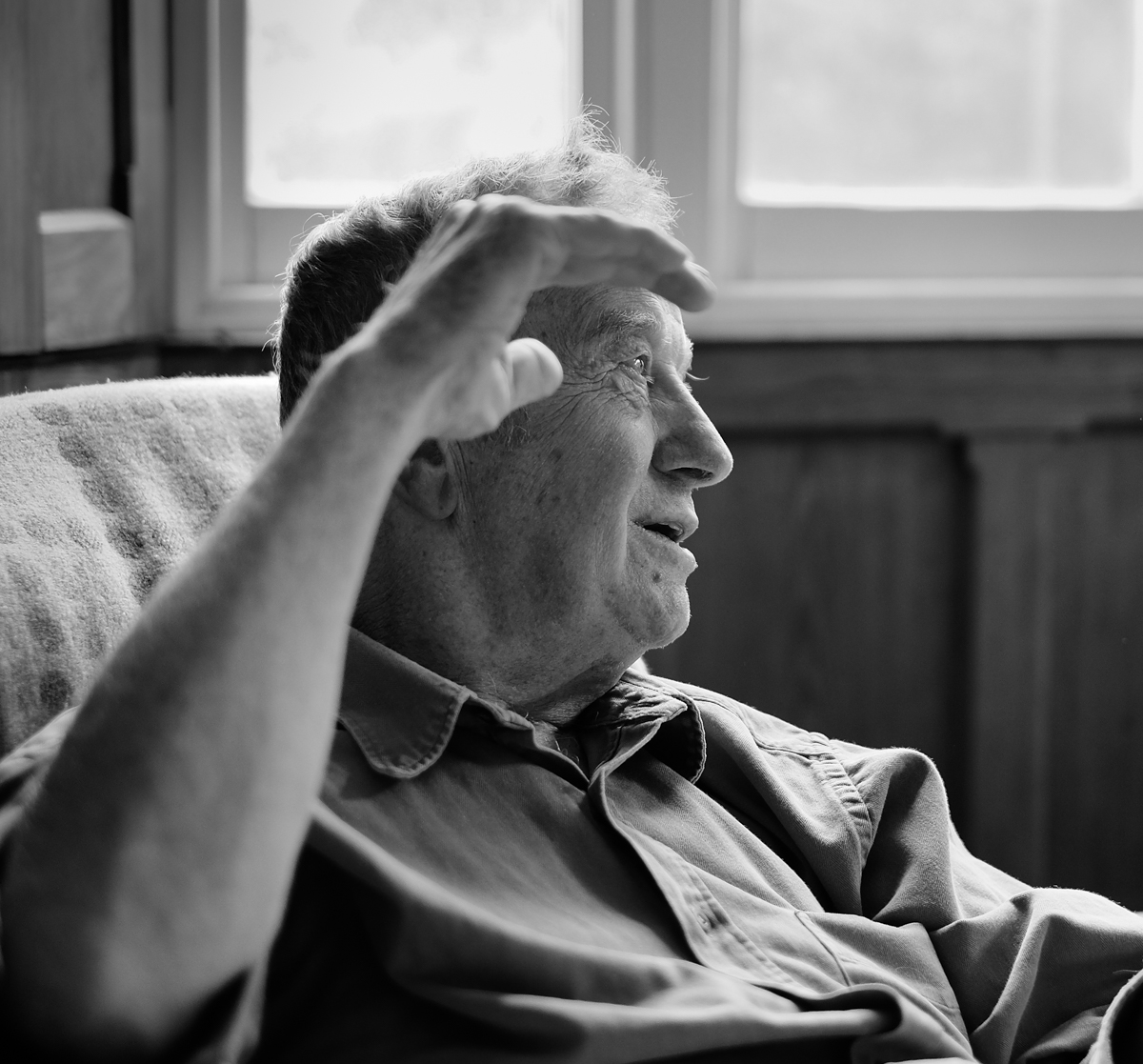 Peter Jones talking with Ffoton, August 2016. Image by Brian Carroll