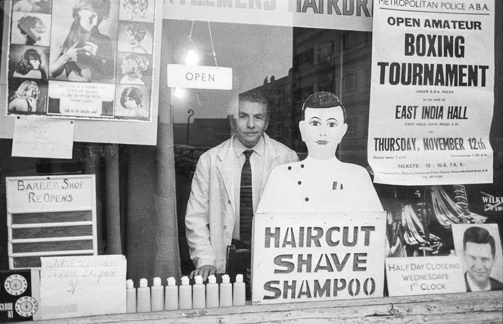 Maurice, Gents hairdresser, Buxton street, Spitalfields, London, 1971