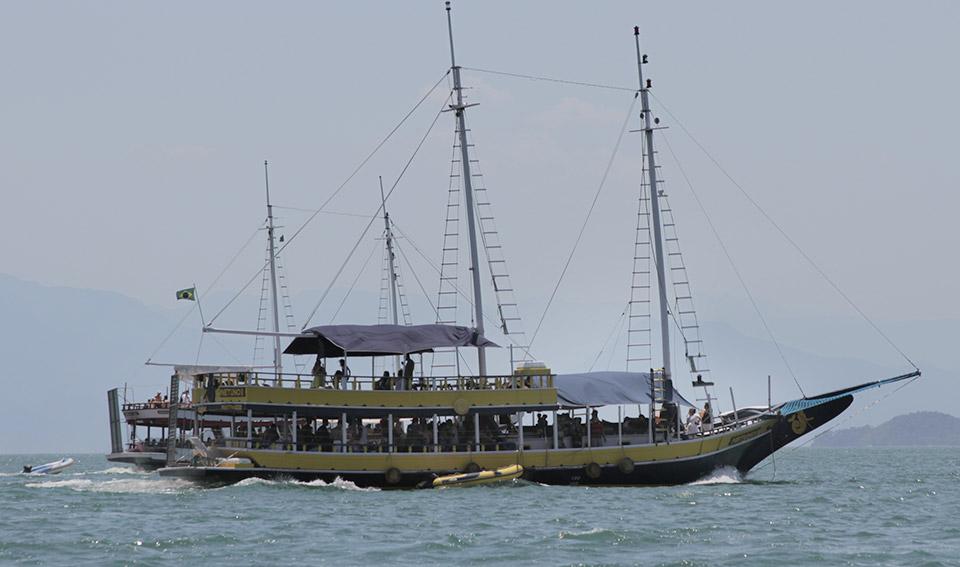 Barco Netuno III