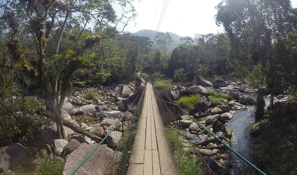 Ponte sobre o Rio Perequê-Açu, porta de entrada para o restaurante Villa Verde