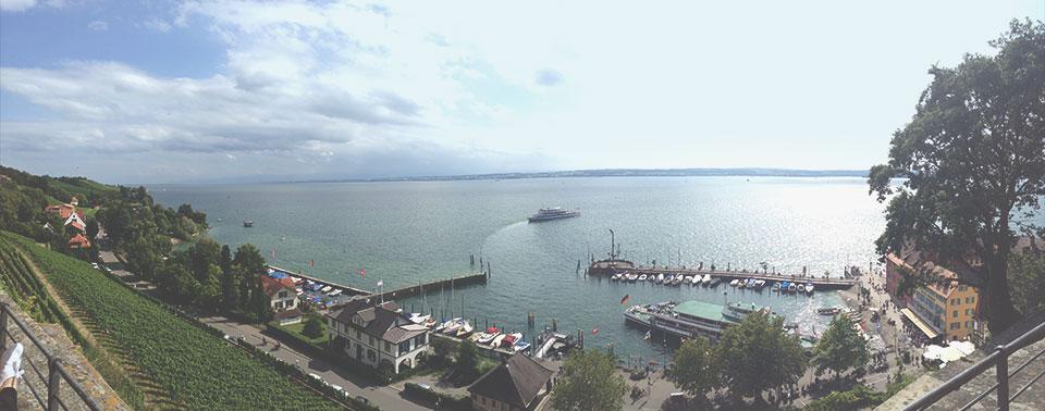 Vista do restauranteGutsschänke para o lago Constança. Detalhe: Na margem oposta já podemos avistara Suíca.