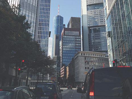 Neustadt, parte mais nova e moderna de Frankfurt, onde estão localizadas asgrandes empresas.