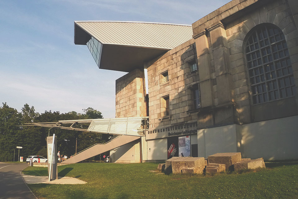 Área externa do Dokumentationszentrum, onde está arquivada toda a papelada dos Julgamentos de Nurembergue.