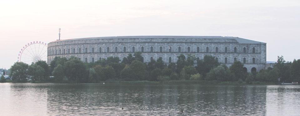 Kongresshalle, o coliseu nazista, visto de fora.