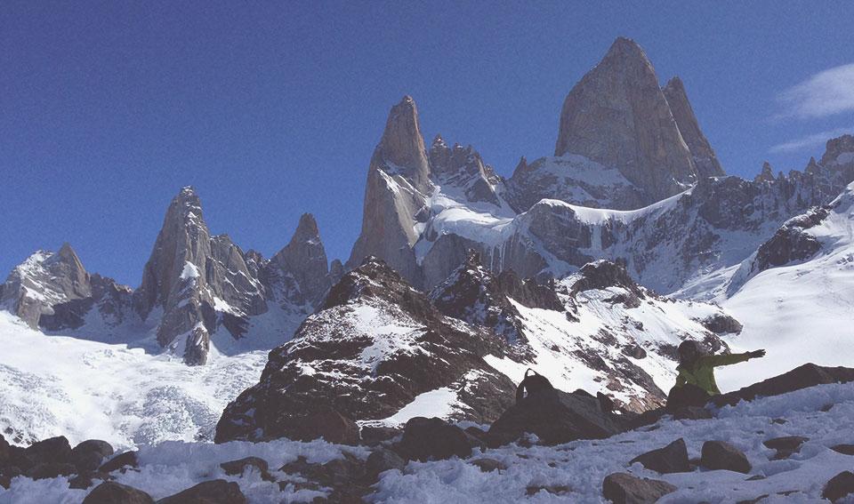 Mirante para o Fitz Roy (a montanha mais alta da foto). Esse lugar foi o objetivo de toda a trilha.