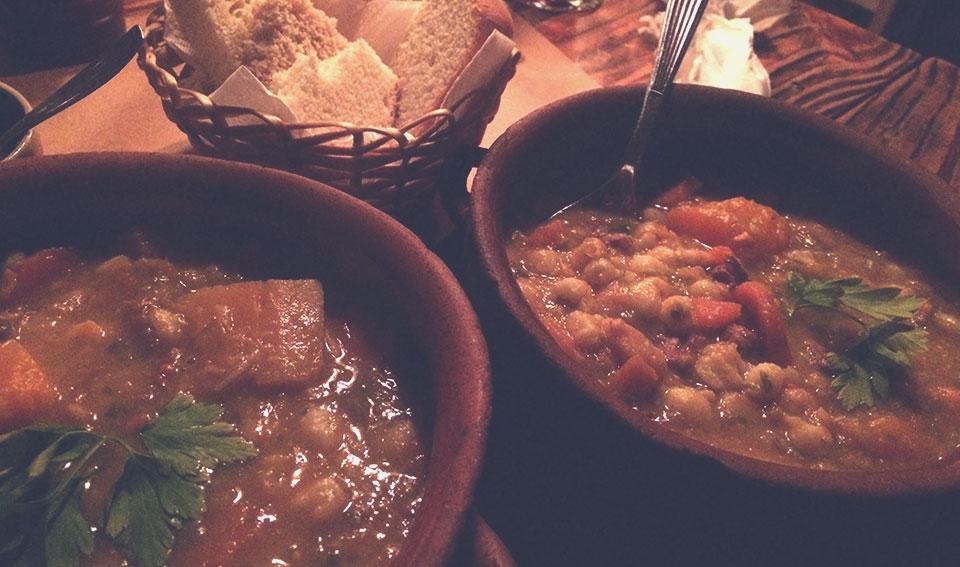 Locro, comida tradicional das montanhas.