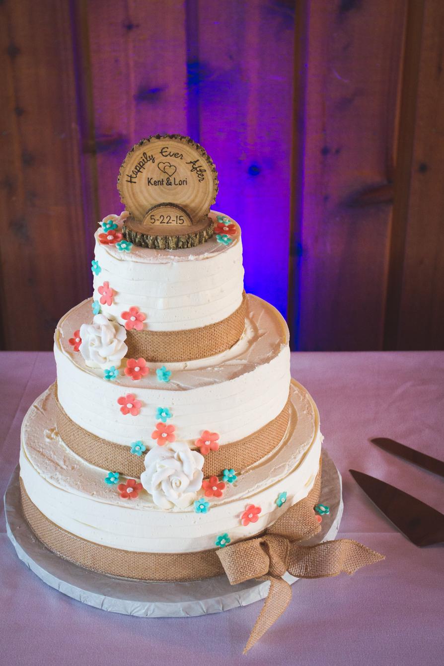 Raleigh-Rustic-wedding-cake